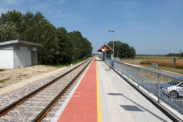 Platform for entrance and exit of passengers Grlava